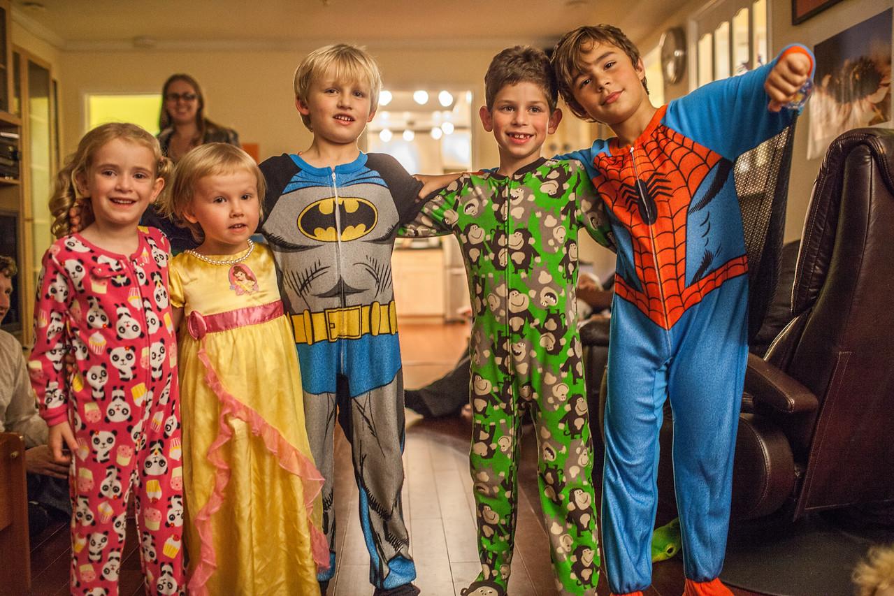 Day 320/1414 - Post Friendsgiving pajama time.